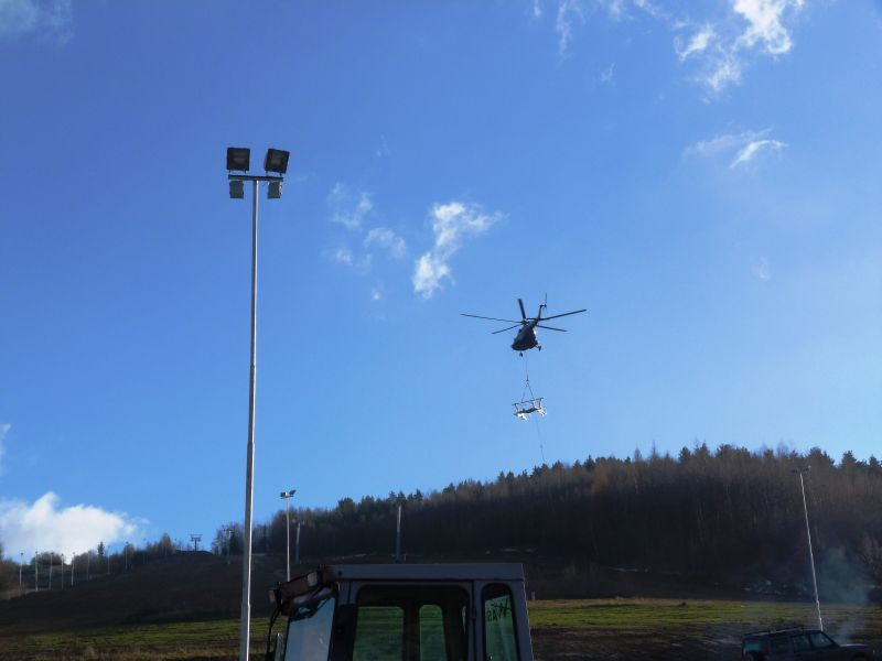 20131202helikopterwharbutowicach007.jpg